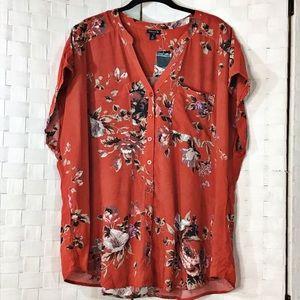 TORRID 2X Floral Button Down Blouse. NWT